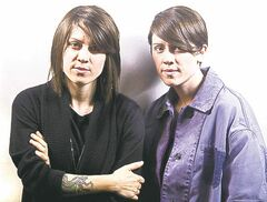 Tegan (left) and Sara