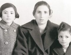 From left, Caterina with her mother, Giuseppina Beuti, and brother, Vince Bueti.