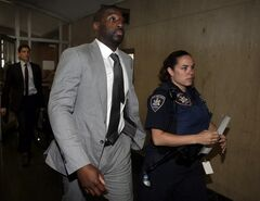 Dallas Mavericks basketball player Raymond Felton leaves Manhattan state Supreme Court after sentencing, Wednesday, July 23, 2014. Felton pleaded guilty to attempted criminal possession of a weapon and criminal possession of a firearm. He admitted he knowingly had a large-capacity ammunition magazine and a pistol without a license. He was immediately sentenced to 500 hours of community service and ordered to pay a $5,000 fine. (AP Photo)