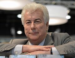 Autor Ken Follett is pictured recently. THE CANADIAN PRESS/AP, file