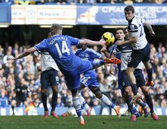 Chelsea's Andre Schurrle shoots the ball during an English Premier League soccer match against Everton at the Stamford Bridge ground in London, Saturday, Feb. 22, 2014. Chelsea won the match 1-0. (AP Photo/Lefteris Pitarakis)