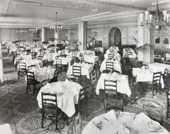 Winnipeggers could dine in style at The Bay's Georgian Room.