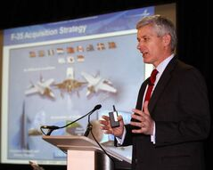 Lockheed Martin's Steve O'Bryan pitches the F-35.