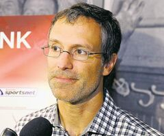 Hockey player Scott Niedermayer answers questions after a news conference after nine new inductees to Canada's Sport Hall of Fame were announced in Calgary on Thursday, Oct. 18, 2012. THE CANADIAN PRESS/Larry MacDougal  close cut closecut