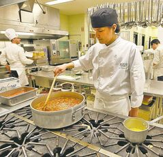 Tremayne Manoakeesick learns culinary arts at Kildonan East Collegite.