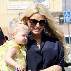 Jessica Simpson toy shopping with Maxwell