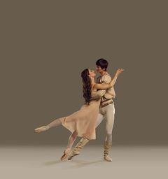 RWB principal dancer Amanda Green as Juliet, with guest artist Liang Xing as Romeo.