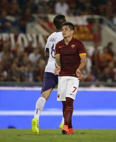 Roma forward Juan Manuel Arevalos Iturbe reacts after missing a scoring chance during a Serie A soccer match between Roma and Fiorentina at Rome's Olympic stadium, Saturday, Aug 30, 2014. (AP Photo/Alessandra Tarantino)