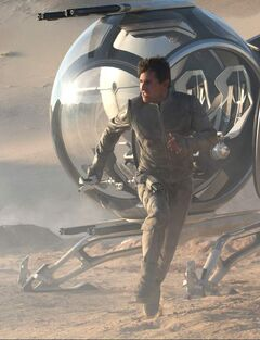 Tom Cruise plays a futuristic maintenance man in Oblivion.