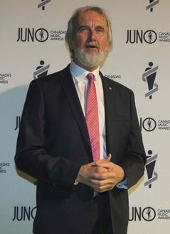 Fred Penner on the green carpet before the 2013 Juno Gala, Dinner and Awards in Regina.