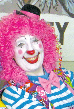 Val Meiners (aka Puff the Clown) is pleased to host a new clown class for children starting this fall at WCC
