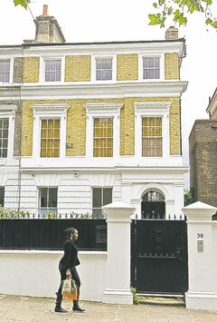 The house owned by the late British singer Amy Winehouse.