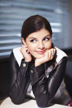 Nikki Yanofsky began her professional singing career at the age of 12 she became the youngest-ever headliner at the Montreal International Jazz Festival.
