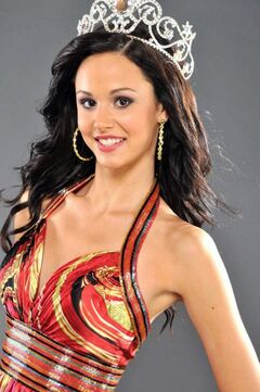 Brandon's Channing Smendziuk wears crown as Miss Teen Canada-World 2010.