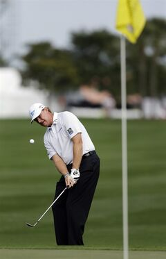 Ernie Els, of South Africa, takes a shot at the 10th hole during the first round of the Honda Classic golf tournament, Thursday, Feb. 28, 2013 in Palm Beach Gardens, Fla. (AP Photo/Wilfredo Lee)