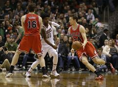 Chicago Bulls' Mike Dunleavy (34) drives against the Milwaukee Bucks' O.J. Mayo during the second half of Game 6 of an NBA basketball first-round playoff series Thursday, April 30, 2015, in Milwaukee. (AP Photo/Jeffrey Phelps)