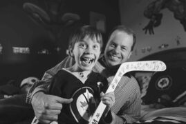 Ruth Bonneville / Winnipeg Free Press filesConnor McDaniel and his father, Chad, with the autographed stick, courtesy of Mark Scheifele and the honest young man.