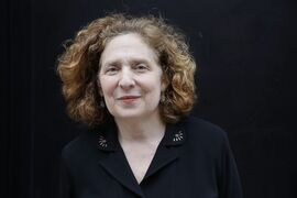 "Julia Wolfe, winner of the Pulitzer Prize for music, poses for a portrait, Monday, April 20, 2015 in New York. Wolfe's ""Anthracite Fields"" was described by the judges as a ""powerful oratorio for chorus and sextet evoking Pennsylvania coal-mining life around the turn of the 20th Century."" (AP Photo/Mark Lennihan)"