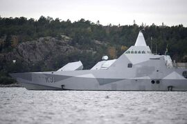 The Swedish corvette HMS Visby navigates on Mysingen Bay, as the search for a suspected foreign vessel enters it's fifth day in the Stockholm archipelago, Tuesday, Oct. 21, 2014. The Swedish military said Sunday it had made three credible sightings of foreign undersea activity in its waters during the past few days amid reports of a suspected Russian intrusion in the area. (AP Photo/TT News Agency, Fredrik Sandberg)