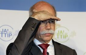 The CEO of Daimler, AG Dieter Zetsche, gestures during a meeting of the leaders of German car manufacturers to promote the free trade agreement 'TTIP' in Berlin, Germany, Wednesday, Jan. 28, 2015. (AP Photo/Michael Sohn)