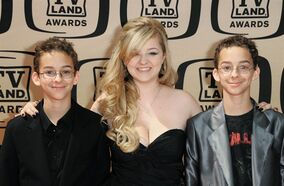 In this April 17, 2010 photo, Sawyer Sweeten, Madylin Sweeten and Sullivan Sweeten arrive at the 8th Annual TV Land Awards in Los Angeles, California. Sawyer Sweeten, who played one of Ray Romano's twin sons in the CBS comedy