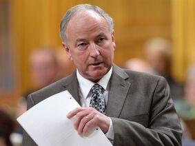 Defence Minister Rob Nicholson answers a question in the House of Commons, Tuesday, Sept. 16, 2014 in Ottawa. THE CANADIAN PRESS/Sean Kilpatrick