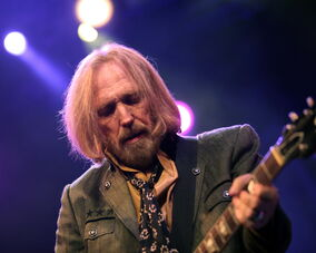 Tom Petty fronts his Heartbreakers at the MTS Center Thursday.