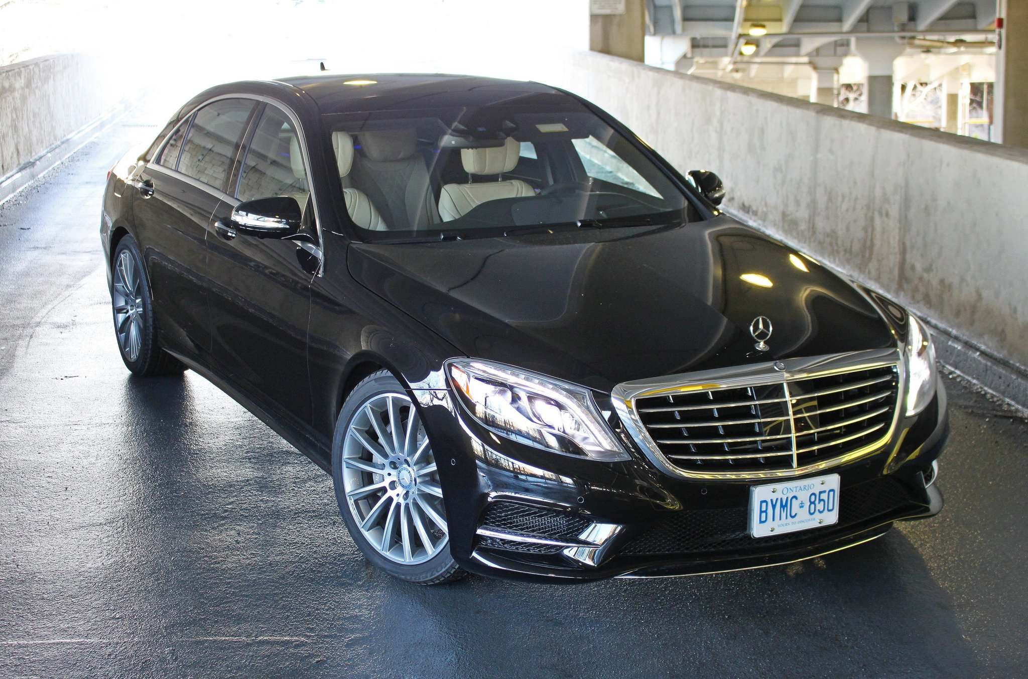 The 2016 Mercedes-Benz S550 4Matic is not only powerful and luxurious, it is also loaded with technology.