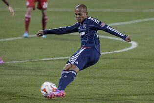 Chicago Fire's Robert Earnshaw gets a shot away at goal during second half MLS action against Toronto FC in Toronto on Saturday August 23, 2014.The Vancouver Whitecaps have signed former Welsh international striker Earnshaw. THE CANADIAN PRESS/Chris Young