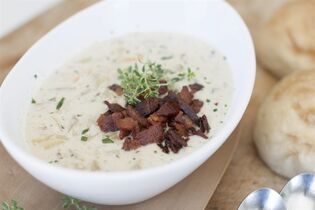 This March 24, 2014 photo shows tarragon fennel clam chowder in Concord, N.H. (AP Photo/Matthew Mead)