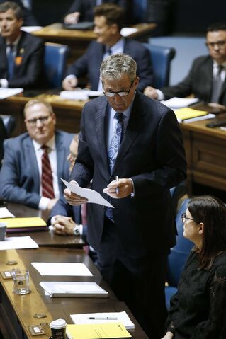 Voters appear willing to give the Pallister government the benefit of the doubt when it comes to health-care reform, but they'll soon want to see some tangible evidence Manitoba is headed in the right direction. (John Woods / The Canadian Press)