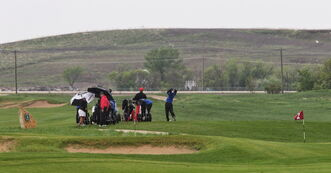 Monday's wind and rain didn't deter university golfers from acquainting themselves with Southwood Golf and Country Club.