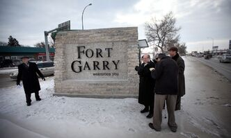 Mayor Sam Katz (second from left) and dignitaries to unveil a 'Fort Garry Welcomes You' sign Friday afternoon on Pembina Highway.