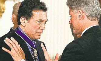 U.S. President Clinton awards the Presidential Medal of Freedom to Edgar M. Bronfman in 1999. (Pablo Martinez Monsivais / The Associated Press files)