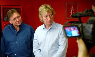 Ken Warwick, left, and Nigel Lythgoe, are shown on March 15, 2005, in Los Angeles. THE CANADIAN PRESS/AP, Rene Macura