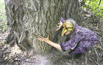 Manitoba Goddess Festival co-organizer Jolie Lesperance conjures up the image of Baba Yaga.