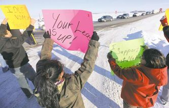 Police struck a deal with the Sandy Bay First Nation to allow one lane of traffic to flow.
