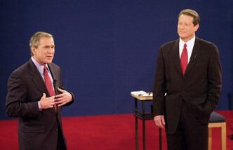 George W. Bush (left) and Al Gore in 2000 U.S. presidential debate.