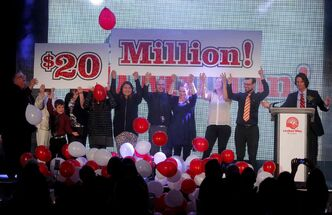 The United Way wraps up its 2013 campaign this week, celebrating the generosity of Winnipeggers and their involvement in our community. This year's campaign chairman Steve Chipman, far right, set an ambitious goal of $20 million at the official campaign kick-off in September and reached it.