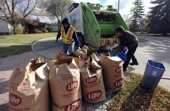 Emterra collection crews pick up yard waste.