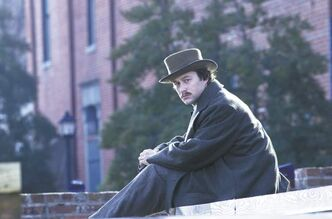 Joseph Gordon-Levitt as Robert Lincoln