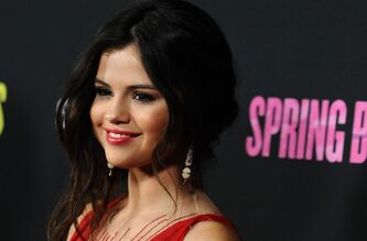 Selena Gomez arrives at the LA premiere of