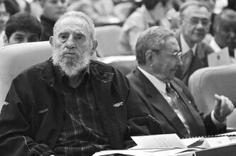 Fidel Castro (left) and brother Raul attend the 2012 opening session of the National Assembly in Havana.