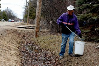 Garry Epp spends about three hours a day picking up litter in the Charleswood area.