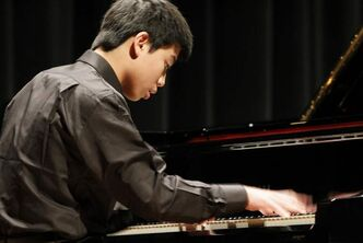 Albert Chen is one of eight Manitobans heading to Quebec for finals in the Canadian Music Competition.