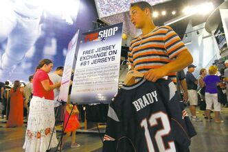 Brian Snyder / Reuters