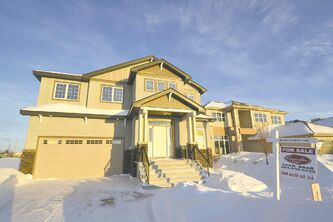 15 Stan Bailie Drive is a practical and livable home situated in South Pointe.