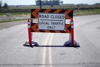 When a road or a bridge is damaged, the province could act quickly to give access to temporary alternate routes.