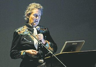 Temple Grandin  addresses an audience in Brandon.