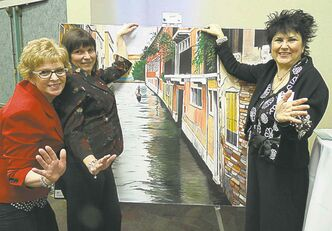 Wanda Mills  (from left), Glenda Gascoigne and Rhonda Brown.